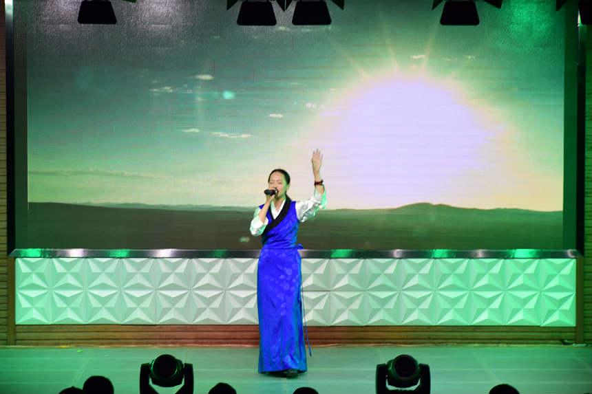 歌手比赛2_meitu_8.jpg